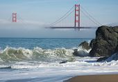 pic of golden gate bridge  - The Golden Gate Bridge in the early morning fog - JPG