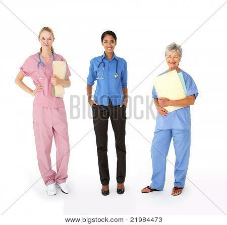 Grupo misto de profissionais médicos femininos