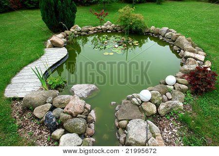 Belo jardim de Design clássico peixe lagoa jardinagem fundo