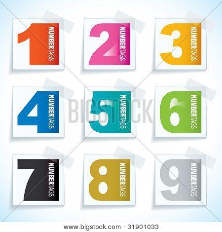 Etiqueta de papel nueve con cinta adhesiva y elementos números