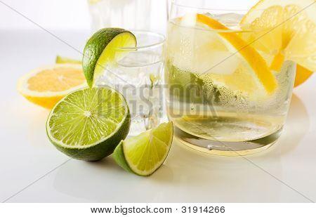 Bebidas con limón y Lima.