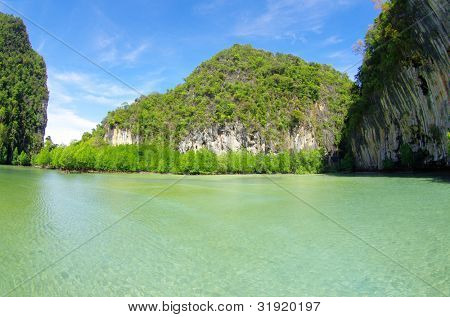 Felsen und Meer in Krabi Thsiland