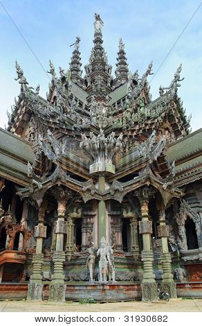 Sanctuary Of Truth in Pattaya national landmark of Thailand