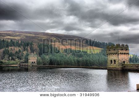 Derwent Reservoir Dam under a cloudy sky