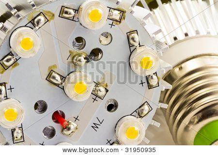 Detalle de las bombillas de luz Led E27 con Chips Smd de 1 vatios sin cubierta de vidrio
