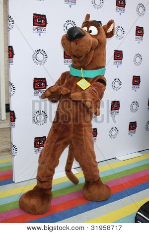 LOS ANGELES - APR 12:  Scooby-Doo arrives at Warner Brothers