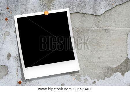 Instant photo frame