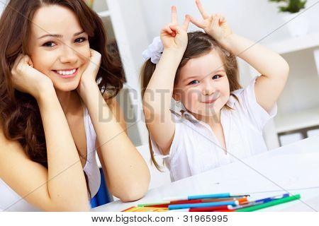 Mutter und Tochter studieren