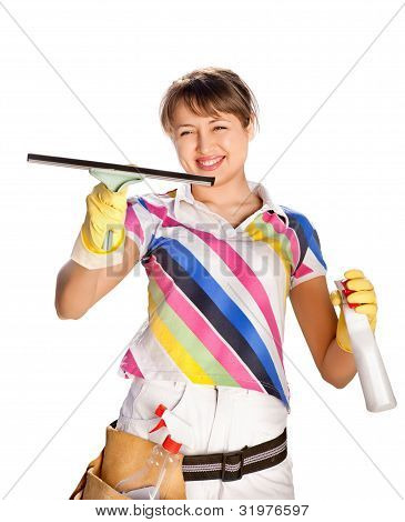 Jovem mulher lavando a janela