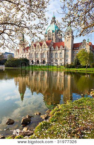 Neus Rathaus Hannover, The