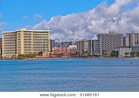 La playa de Waikiki, Hawaii Oahu Island, paisaje urbano