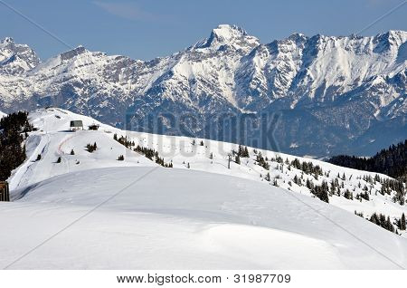 Ski Resort Zell Am See, Alpes austríacos en invierno
