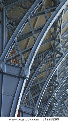 Paddington, Roof Structure