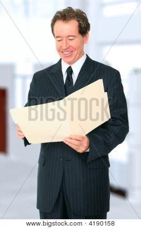 Empresario Senior Buscar carpeta