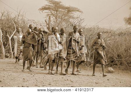 afrikanische Männer vom Stamm der masai