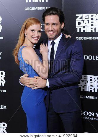 LOS ANGELES - DEC 09:  Jessica Chastain & Edgar Ramirez arrives to the