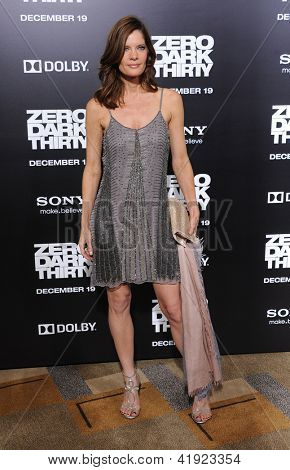 LOS ANGELES - DEC 09:  Michelle Stafford arrives to the