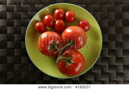 Red Tomatoes Branch, Little An Big Tomatoes