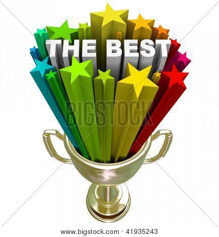 Eine goldene ersten Platz Trophäe mit den Wort-besten und bunten Sternen schießen aus ihm heraus, als Symbol für wi