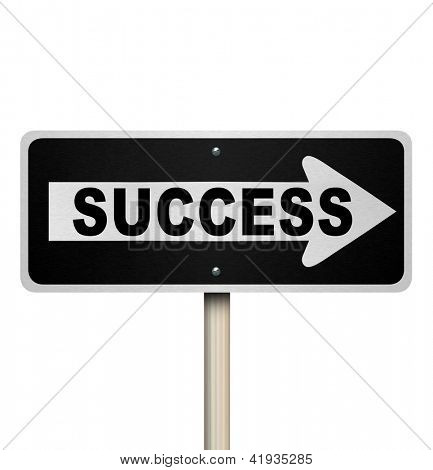 A road sign with the word Success and arrow pointing right