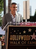 LOS ANGELES - JAN 12:  George Clooney arriving to Walk of Fame Ceremony for John Wells  on January 1