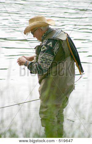 Tying A Lure 5