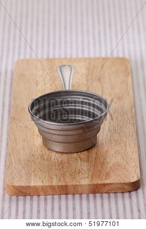 baking utensil on the chopping board