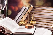 picture of justice law  - Mallet legal code and scales of justice - JPG