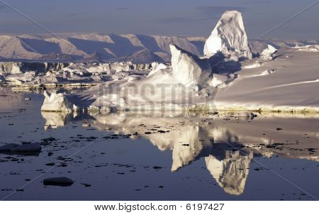Reflecting Icescape