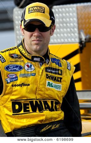 Nascar:  October 23 Tums Fast Relief 500