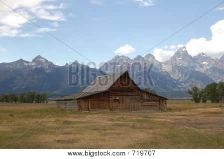 Mormon Row Barn With Tetons