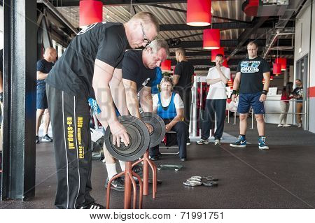 Referee Changing Weights At Championship