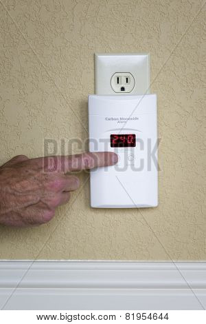 Wall-mounted Carbon Monoxide Alarm
