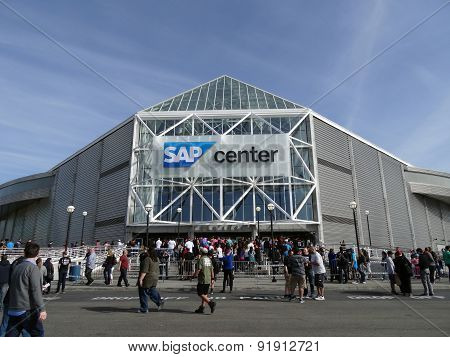 Crowd Of People Line Up To Enter The Sap Center For Live Taping Of Wwe Monday Night Raw