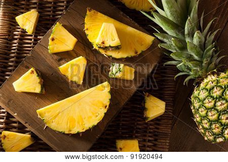Organic Raw Yellow Pineapple