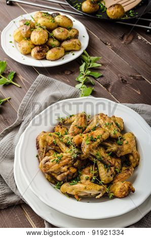 Roasted Chicken Wings With New Potato