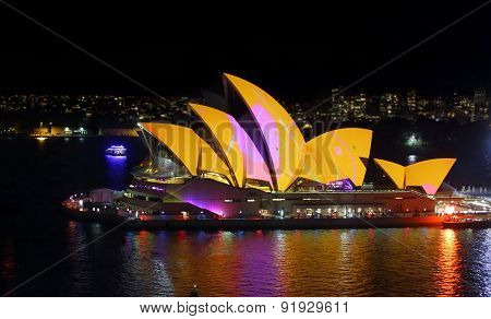 Sydney Opera House Aglow In Colour For Vivid Sydney