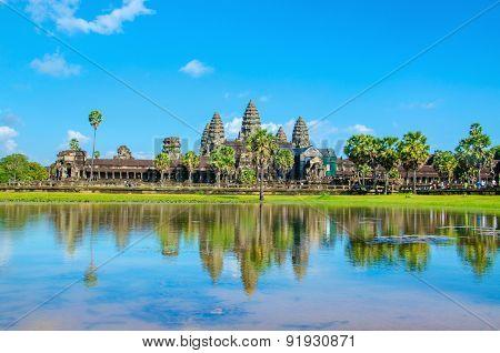 Angkor Wat temple across lake, Siem Reap, Cambodia