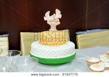 Wedding Cake With Doves On Top