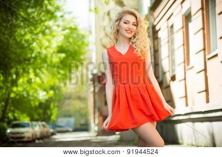 outdoor photo of beautiful woman
