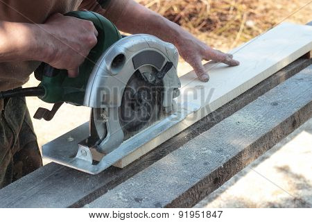 Work On The Circular Saw