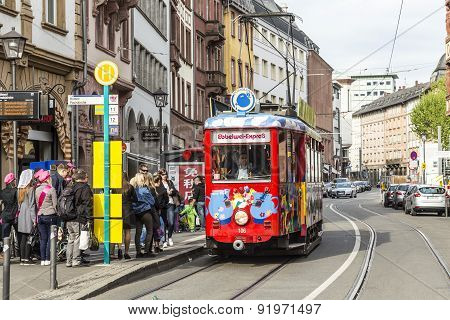 People Enjoy The Ride With The Ebbelwei Express In Frankfurt,
