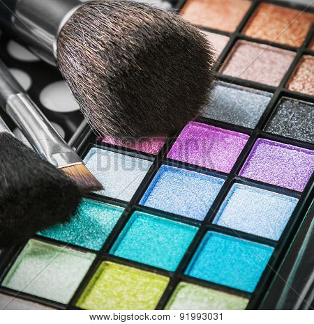 Make-up Eyeshadow Palettes With Makeup Brushes