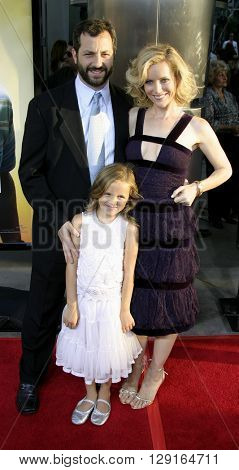 Judd Apatow, Leslie Mann and daughter Maude at the Los Angeles premiere of