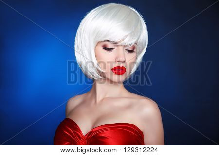 Blond Bob Hairstyle. Fashion Beauty Girl. Makeup. White Short Hair. Close-up Portrait Of Blonde Woma
