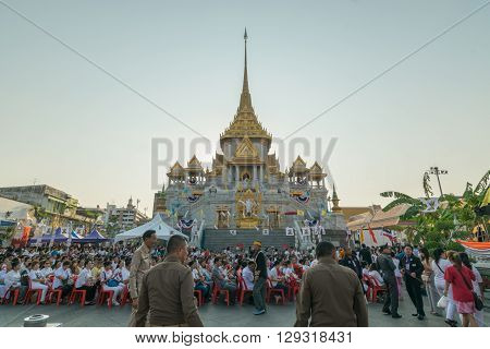 Bangkok Thailand - March 6 2016 : Thai people pray for 6th march uranus over city in temple at Wattraimitr-withayaram.
