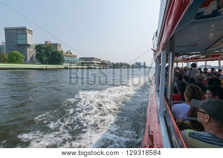 Bangkok Thailand - March 6 2016 : Tourist the popular boat travel on the Chao Phraya river. To stay in downtown Bangkok. And tourist attractions on both sides of the river.