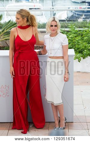 CANNES, FRANCE - MAY 11: Blake Lively and Kristen Stewart attend the 'Cafe Society' photocall during the 69th annual Cannes Film Festival at Palais des Festivals on May 11, 2016 in Cannes, France.