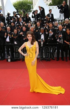Anna Kendrick attends the 'Cafe Society' premiere and the Opening Night Gala during the 69th Cannes Film Festival at the Palais des Festivals on May 11, 2016 in Cannes, France.