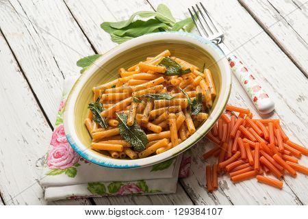 pepper pasta with butter and sage